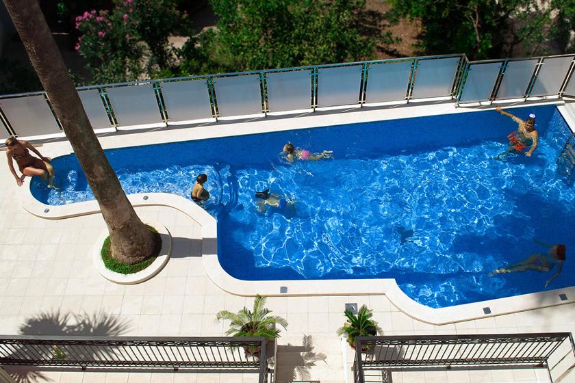 Hotel u Petrovcu na moru bazen