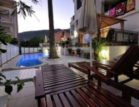 Petrovac na moru hotel bazen 2